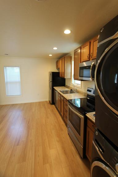 LUXURY 1 BEDROOM APARTMENT NEAR LECOM GREENSBURG