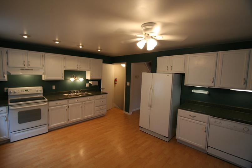 GREENSBURG 3 BEDROOM 1.5 BATH APARTMENT FOR RENT GREENSBURG PA